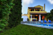 Detailed descritiption of Corfu Pool Villa Artemis in Agios Spyridon (Spiridon) (Pagi) with many pictures.