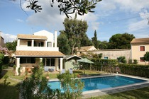 Detailed description of Corfu Pool Villa Ares in Agios Spyridon (Spiridon) with many photos