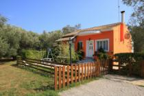 Detailed Description of Corfu Holiday House Ermioni in Lefkimmi with many pictures.