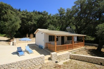 Detailed description of Corfu Holiday House Fisherman's Cottage in Agios Georgios Pagon (Pagi) with many pictures