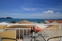 Detailed  description of Corfu Alex Beachfront Studios in Arillas in beach location, partly with beautiful sea view with many pictures.