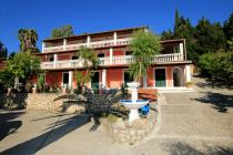 Detailed description of Corfu Apartments Nina in Agios Georgios Pagon (Pagi) with many pictures.