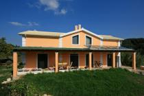 Detailed description of Corfu Holiday House Honey Valley in Agios Georgios Pagon (Pagi) with many pictures.